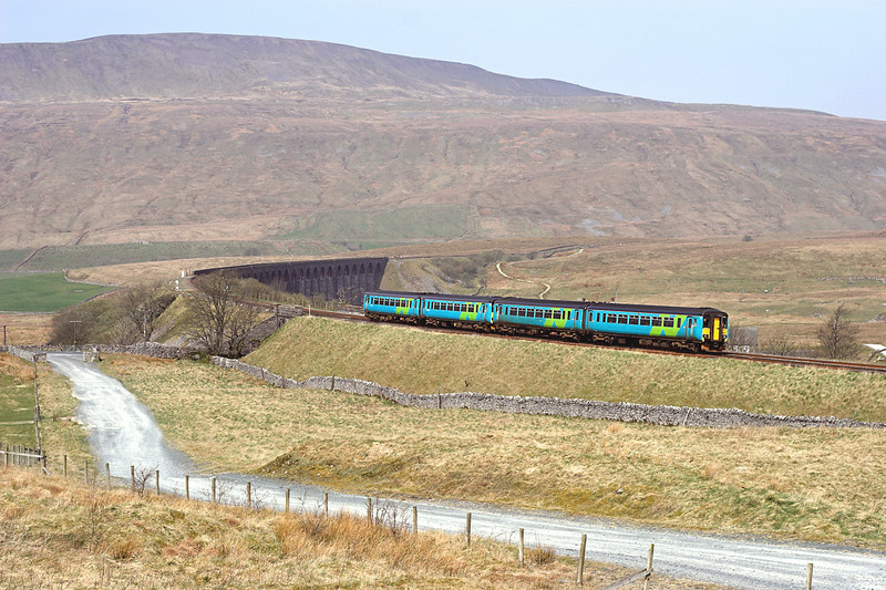 156454 and 156473, Ribblehead 14/4/2007<br /> 2H86 1049 Leeds-Carlisle