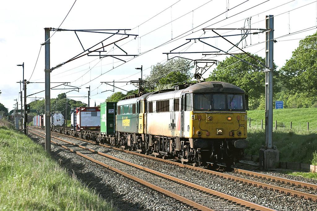 86622 and 86607, Woodacre 14/5/2007<br /> 4M74 1354 Coatbridge-Basford Hall