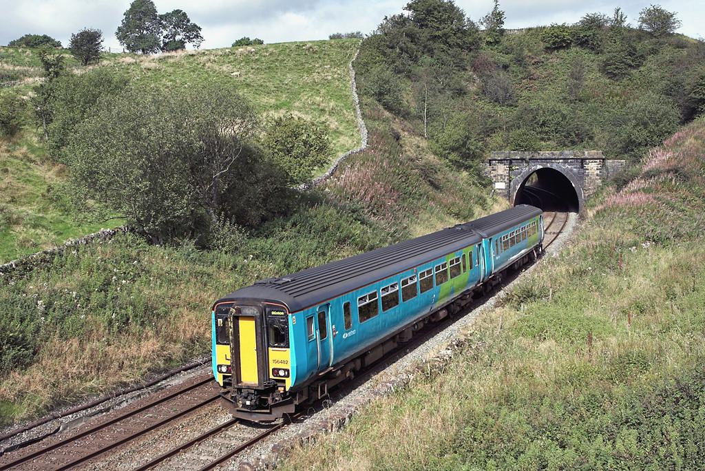 156482 Barmoor Clough Tunnel 15/9/2007<br /> 2H90 0911 Blackpool North-Buxton