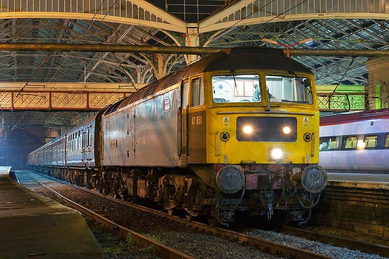 47851 Preston 20/10/2007<br /> 5Z86 2100 Blackpool North-Carnforth