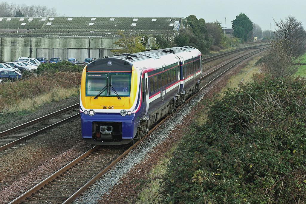 175009 Prestatyn 20/11/2007<br /> 1W82 0720 Cardiff Central-Holyhead
