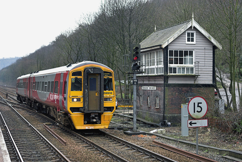 158908 Hebden Bridge 21/2/2007<br /> 1B24 0909 York-Blackpool North