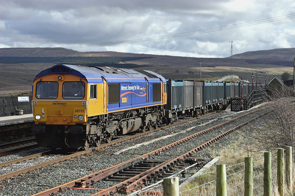 66721 Ribblehead 26/2/2007<br /> 6M52 0615 Cottam PS-Newbiggin