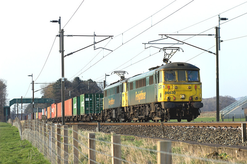 86639 and 86610, Brock 26/3/2007<br /> 4M74 1354 Coatbridge-Basford Hall