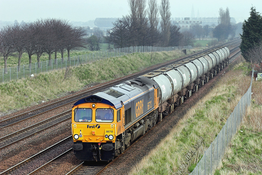 66713 Saughton 27/3/2007<br /> 6S60 2330 Harwich Parkeston Quay-Aberdeen Gilmore Street