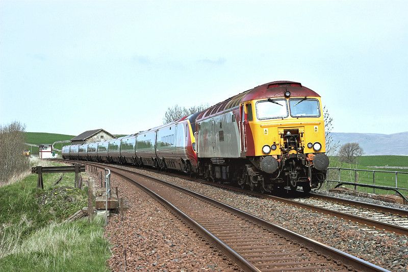 57313 and 390021, Kirkby Stephen 28/4/2007<br /> 1M81 0918 Glasgow Central-London Euston
