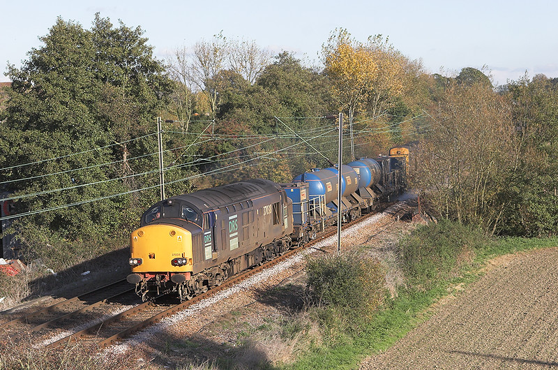 37038 and 20312, Weeley 30/10/2007<br /> 3S62 1305 Clacton on Sea-Norwich