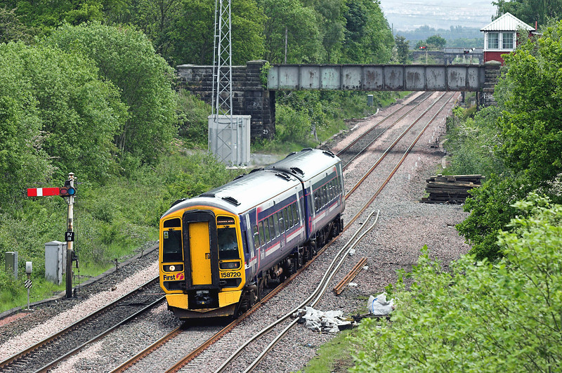 158720 Plean Junction 31/5/2007<br /> 2P65 1333 Edinburgh-Dunblane