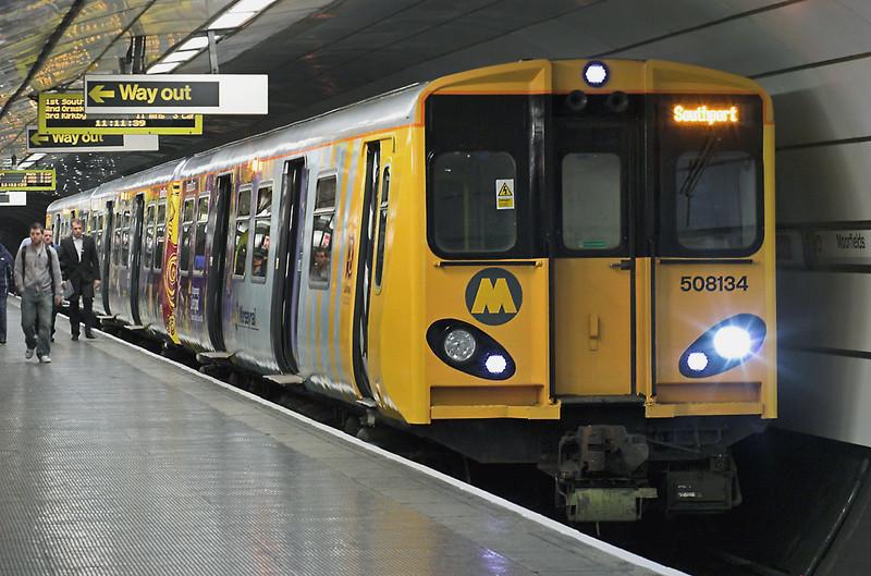 508134 Moorfields 7/4/2008<br /> 2S20 1051 Hunts Cross-Southport