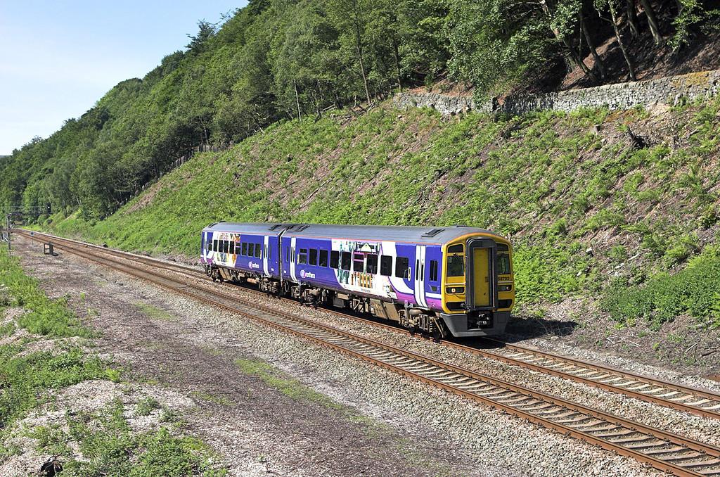158792 Eastwood 9/6/2008<br /> 2E17 0954 Manchester Victoria-Leeds