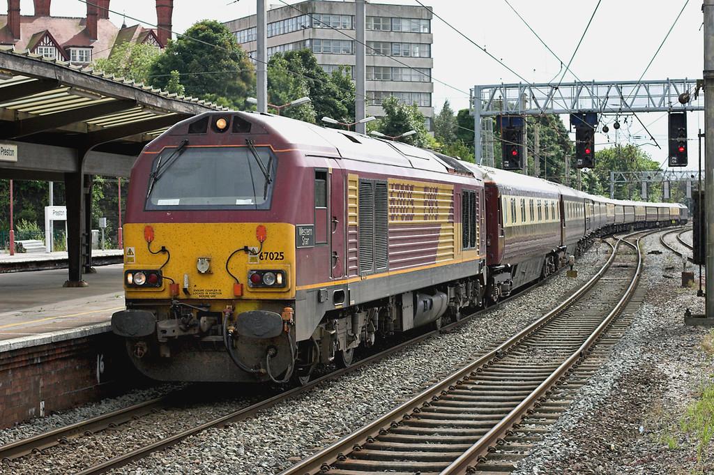 67025 Preston 16/8/2008<br /> 1Z20 0742 London Victoria-Edinburgh