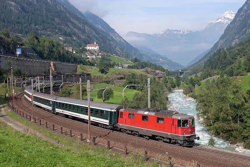 11143 Wassen 17/9/2008<br /> IR2275 1409 Zürich HB-Locarno