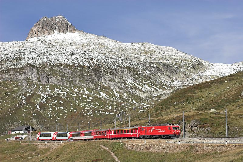 104 Oberalppass 18/9/2008<br /> D902 0900 Zermatt-Davos Platz