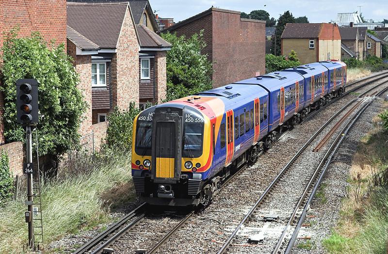 450556 Egham 19/6/2008<br /> 2S32 1133 Weybridge-London Waterloo