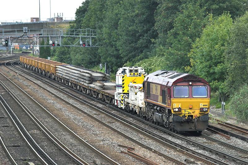 66166 Southampton 20/8/2008<br /> 6O41 1010 Westbury-Eastleigh Yard