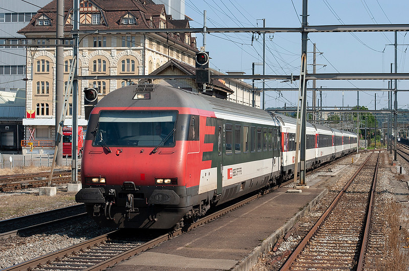 460110 (on rear), Pratteln 20/9/2008<br /> IR1974 1336 Zürich HB-Basel SBB