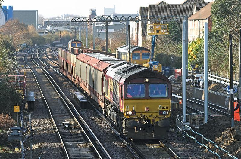 66248 Caledonian Road & Barnsbury 1/12/2009 6L35 0933 Wembley Yard-Dagenham Dock