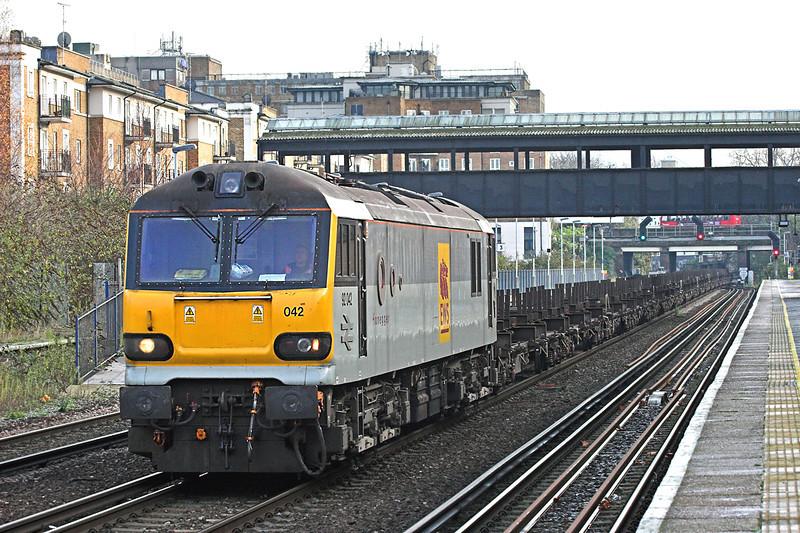 92042 Kensington Olympia 1/12/2009<br /> 4E32 1155 Dollands Moor-Scunthorpe Yard