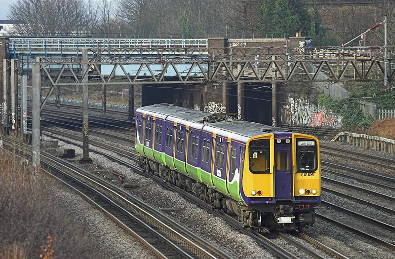 313106 Kenton 1/12/2009<br /> 2C30 1441 Watford Junction-London Euston