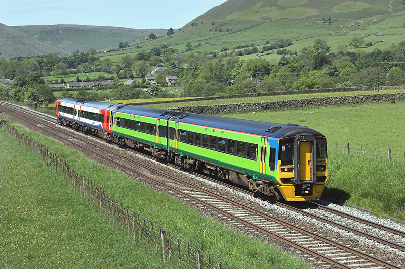 158857 and 158785, Edale 2/6/2009<br /> 1L08 0952 Liverpool Lime Street-Norwich