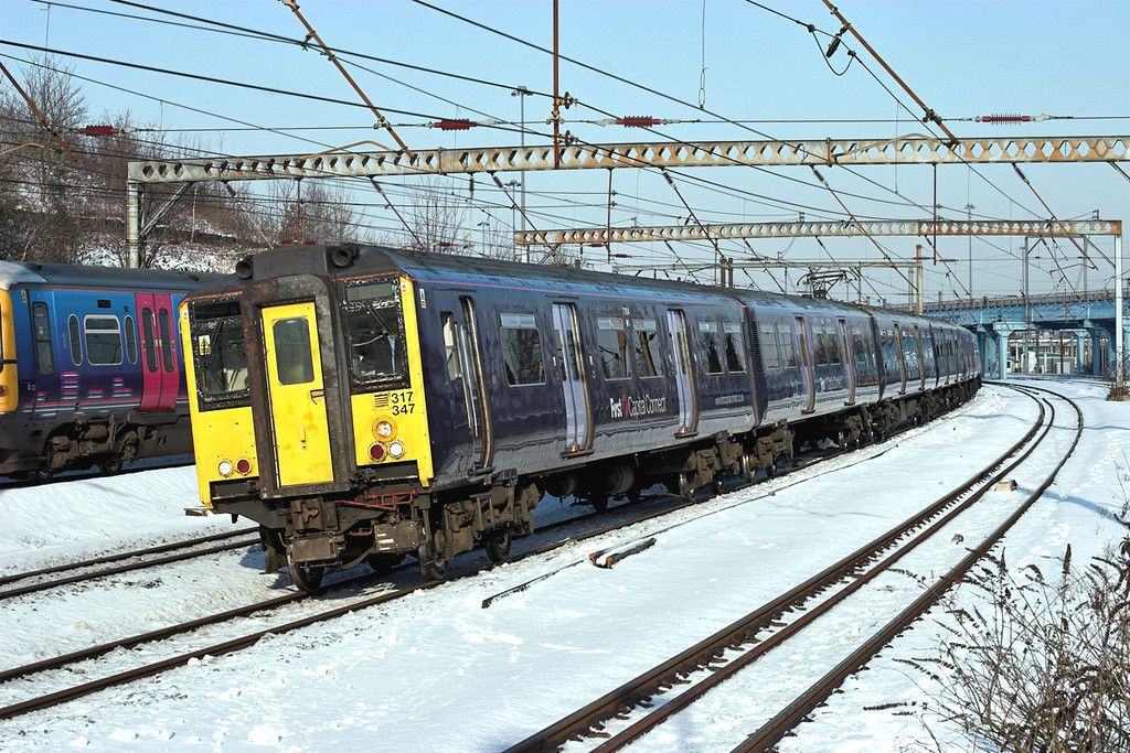 317347 and 317339, Harringay 3/2/2009<br /> 2C17 0836 Cambridge-London Kings Cross
