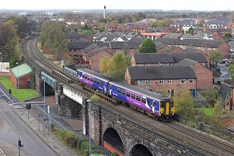 156421 Warrington Central 3/11/2009<br /> 2H44 1155 Liverpool Lime Street-Manchester Oxford Road