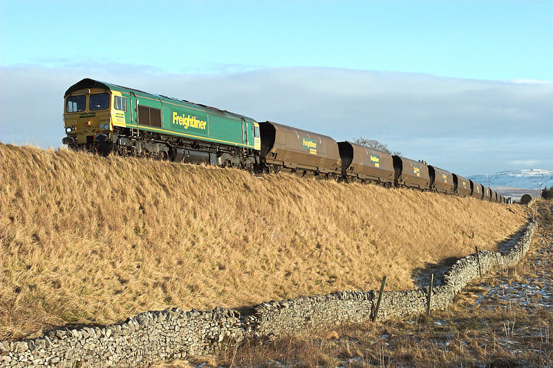 66610 Ribblehead 5/1/2009<br /> 4S11 0712 Drax PS-Killoch