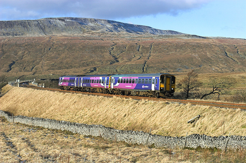 153324 and 158848, Ribblehead 5/1/2009<br /> 2H89 1151 Carlisle-Leeds