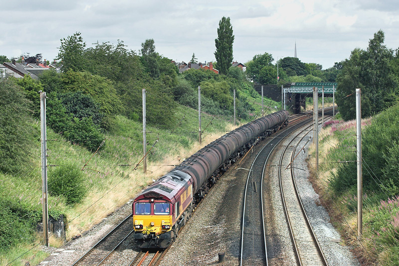 66034 Penwortham 5/8/2009<br /> 6E32 0855 Preston Docks-Lindsey OR