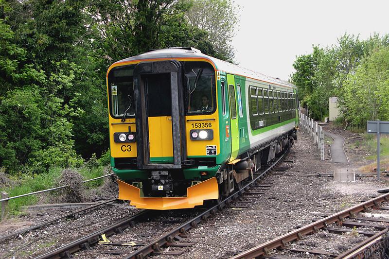 153356 Stourbridge Junction 9/5/2009<br /> 2H84 1611 Stourbridge Town-Stourbridge Junction