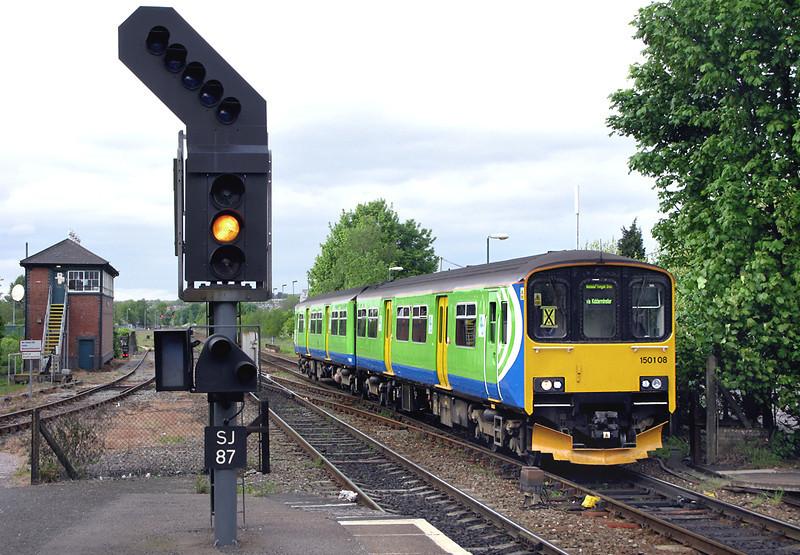 150108 Stourbridge Junction 9/5/2009<br /> 2V38 1459 Stratford upon Avon-Worcester Shrub Hill