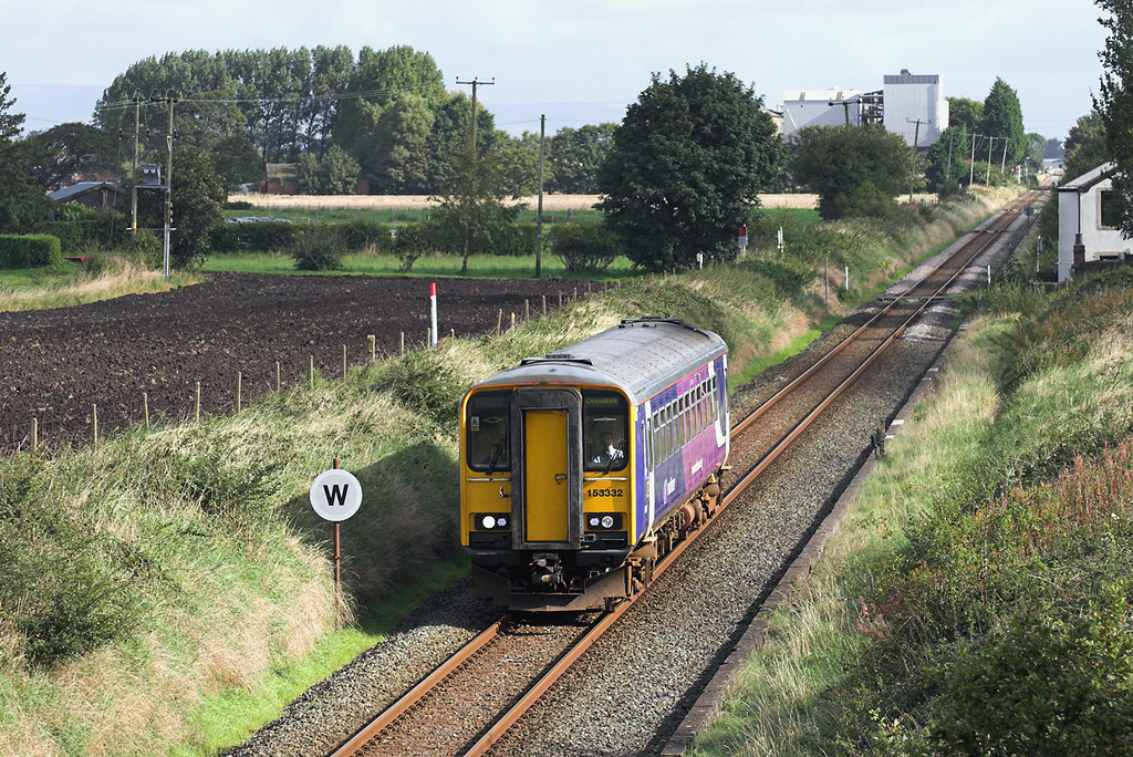 153332 Moss Side 9/9/2009<br /> 2F06 1007 Preston-Ormskirk