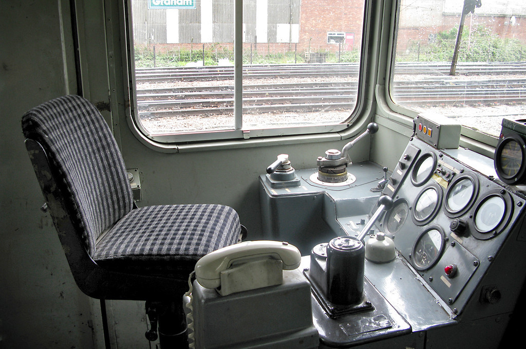 20901, Drivers Side of Cab 10/8/2009