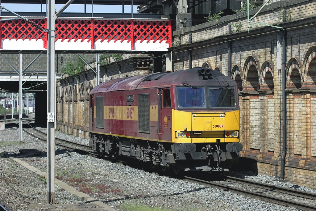 60087 Crewe 11/5/2009<br /> 0Z42 1230 Bescot TMD-Warrington Arpley
