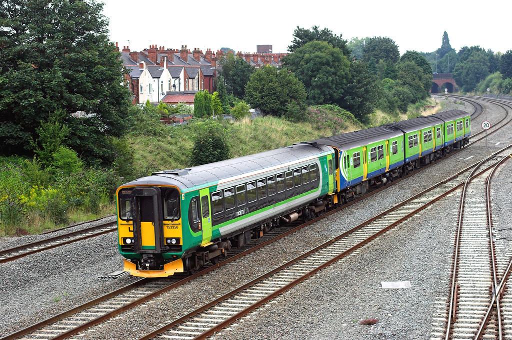 153356 and 150005, Tyseley 11/8/2009<br /> 2J34 1128 Dorridge-Stourbridge Junction