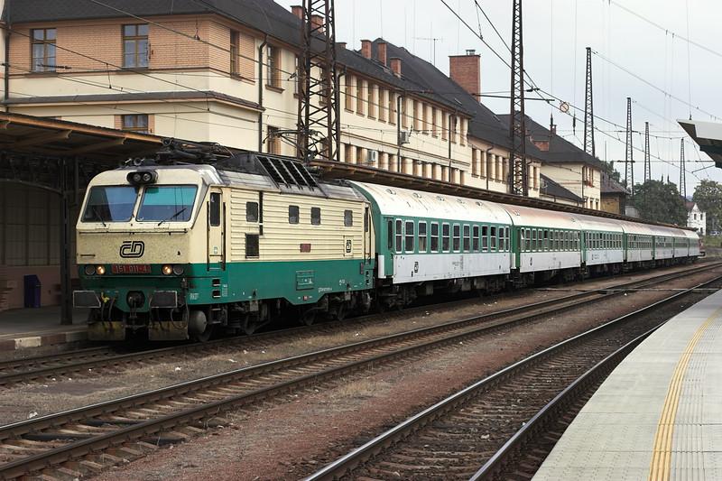 151011 Ĉeská Třebová 12/9/2009<br /> EX528 1414 Luhaĉovice-Praha hl.n