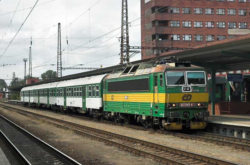 163065 Pardubice hlavní nádraží 12/9/2009<br /> OS5023 1421 Přelouĉ-Ĉeská Třebova