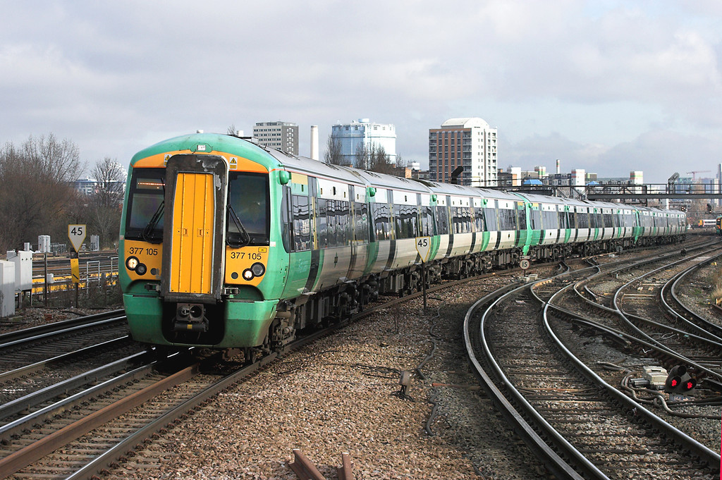 377105, 377413 and 377429, Clapham Junction 13/2/2009<br /> 1F16 1047 London Victoria-Ore