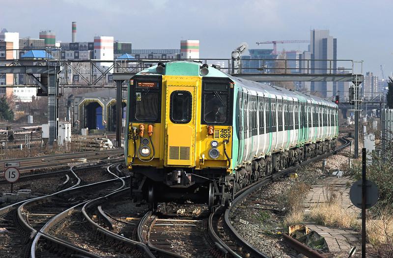 455839 and 455830, Clapham Junction 13/2/2009<br /> 2F16 1049 London Victoria-London Bridge