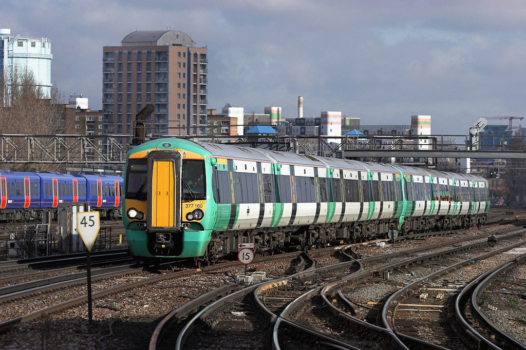 377160 and 377108, Clapham Junction 13/2/2009<br /> 1C66 1132 London Victoria-Southampton Central