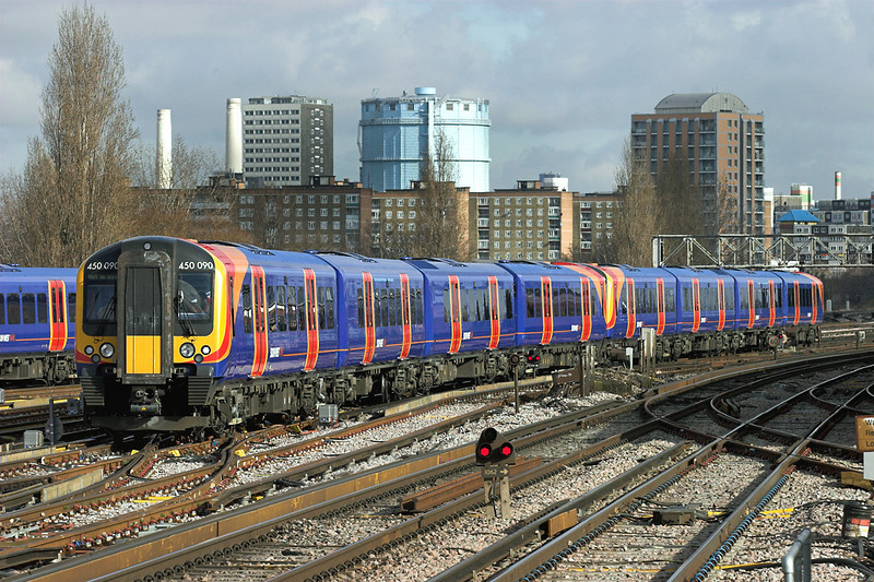 450090 and 450106, Clapham Junction 13/2/2009
