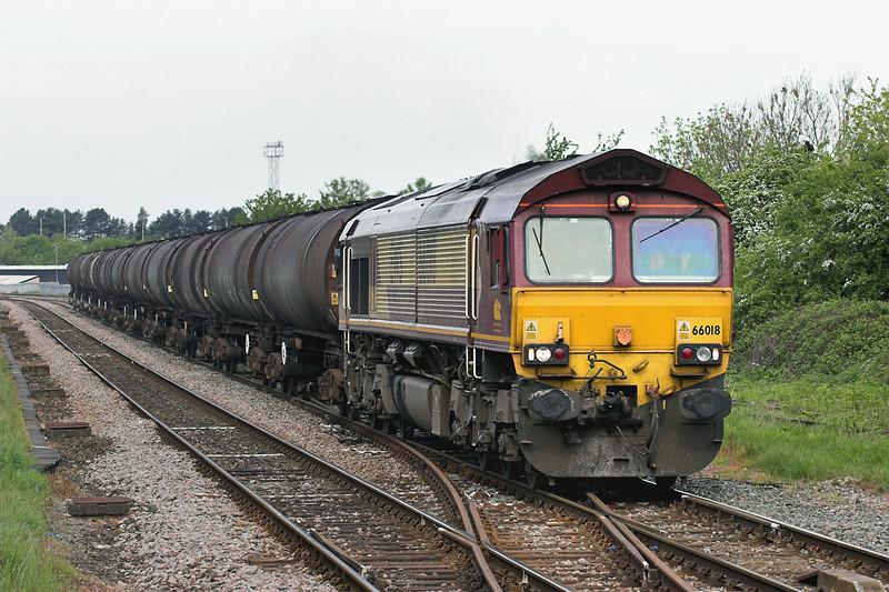 66018 Bamber Bridge 13/5/2009<br /> 6E32 0855 Preston Docks-Lindsey OR