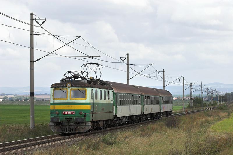 141018 Kraliĉky 13/9/2009<br /> OS3810 1130 Olomouc hl.n-Nezamyslice