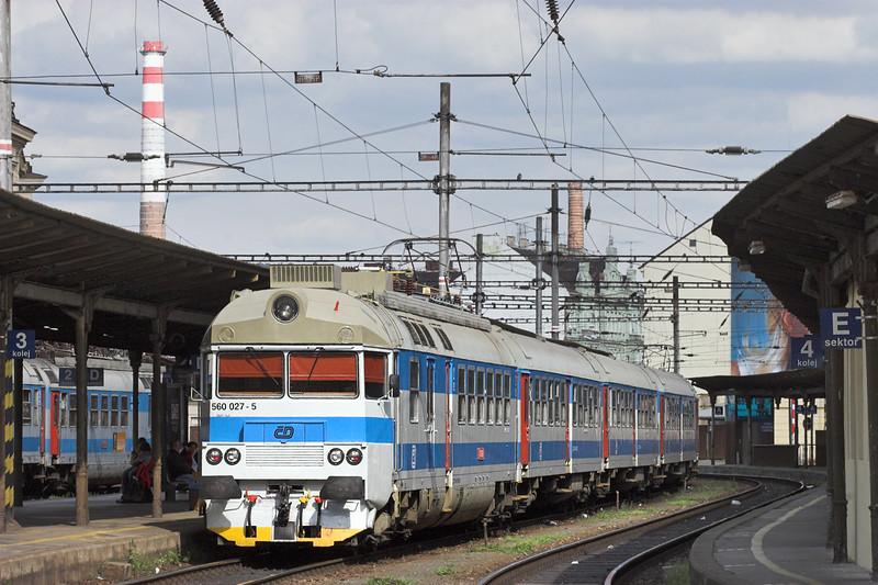 560027 Brno hlavní nádraží 13/9/2009<br /> OS4600 1457 Brno hl.n-Tísnov