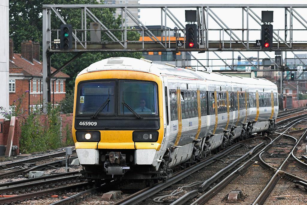 465909 London Bridge 15/7/2009<br /> 1N69 1436 Ashford International-London Cannon Street