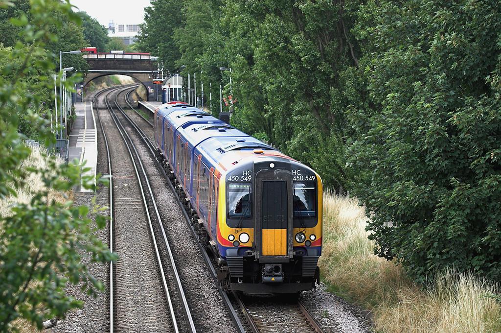450549 Syon Lane 15/7/2009<br /> 2V35 1337 London Waterloo-London Waterloo<br /> (via Hounslow and Richmond)