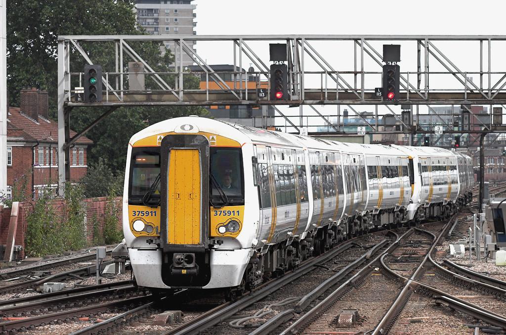 375911 and 375926, London Bridge 15/7/2009<br /> 5P63 1600 Grove Park-London Cannon Street