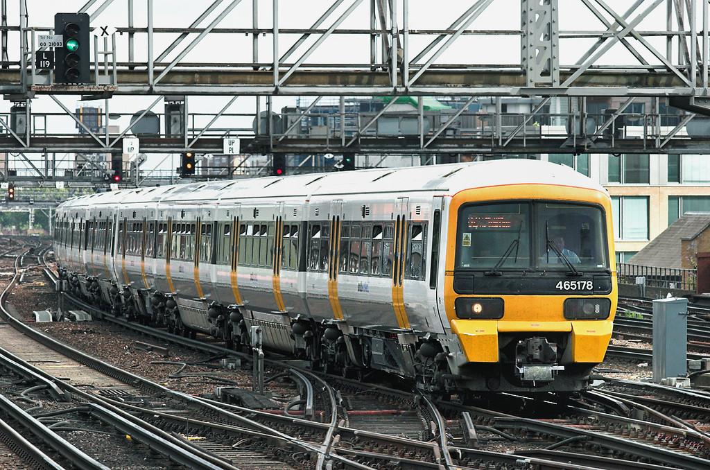 465178 and 465021, London Bridge 15/7/2009<br /> 2B54 1444 Gillingham-London Charing Cross