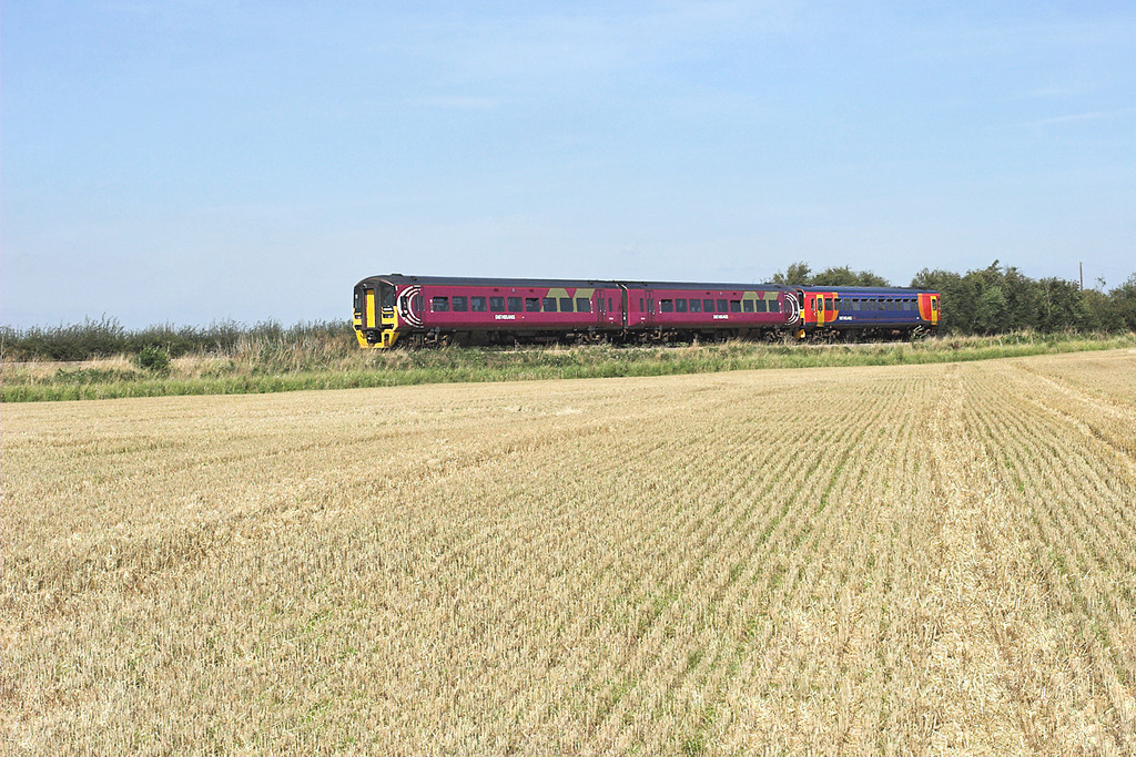 158806 and 153310, Lade Bank 19/8/2009<br /> 2S16 1315 Skegness-Nottingham