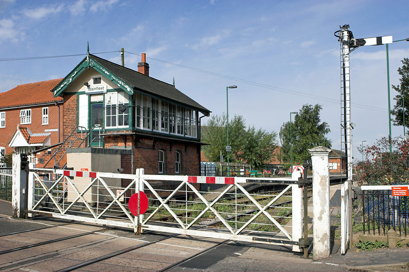Wainfleet Level Crossing and Signal Box 19/8/2009